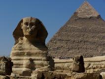 Grote Sfinxmonument en Khafre-Piramide Giza Kaïro Stock Afbeeldingen