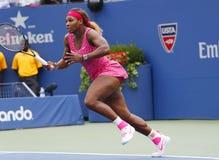 Grote Slagkampioen Serena Williams tijdens derde ronde gelijke bij US Open 2014 tegen Varvara Lepchenko Stock Afbeeldingen