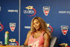 Grote Slagkampioen Serena Williams tijdens US Open 2014 persconferentie in Billie Jean King National Tennis Center Stock Afbeelding