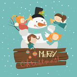 Grote sneeuwman met leuke engelen stock illustratie