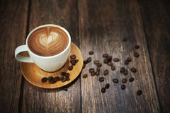 Grote spruit van koffiekop Stock Fotografie