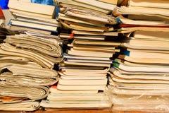 Grote stapel van boeken Stock Afbeeldingen