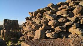 Grote stapel van stenen stock video