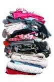 Grote stapel van wasserij met weg Royalty-vrije Stock Afbeeldingen