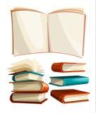 Grote stapelsreeks boeken met open uitgespreide pagina's Stock Foto's