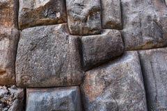 Grote stenen in een oud metselwerk Stock Foto