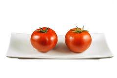 Grote Tomaten in Plaat Stock Fotografie