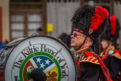 Grote Trommel in St Paddy Parade stock foto