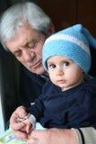 Grote vader en grote zoon royalty-vrije stock fotografie