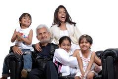 Grote vader met vier kinderen Royalty-vrije Stock Foto's