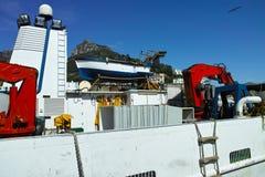 grote vissersboot voor het vangen van Ansjovissen stock afbeelding
