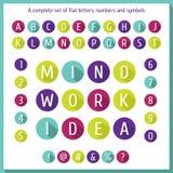 Grote vlakke reeks letters van het alfabet, getallen en symbolen Vlakke kleurrijke brief van het alfabet Vlak pictogrammenalfabet Stock Foto's
