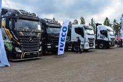 Grote vrachtwagenvertoning royalty-vrije stock afbeelding