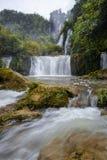 Grote waterval Royalty-vrije Stock Foto's