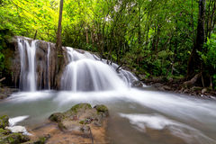 Grote Waterval inThailand Stock Foto's