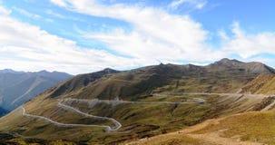 Grote weg in de zomer van Sichuan, China royalty-vrije stock afbeeldingen