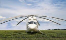 Grote witte ladingshelikopter Royalty-vrije Stock Fotografie