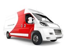 Grote witte leveringsbestelwagen met rode details - close-upschot vector illustratie