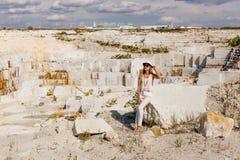 Grote witte marmeren steengroeve, mijnsteengroeve Stock Afbeelding