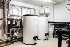 Grote witte netto boiler twee en verwarmen Royalty-vrije Stock Foto's