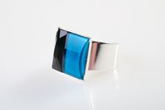 Grote zilveren ring Royalty-vrije Stock Foto's