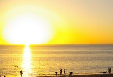 Grote Zon, Strand Henley stock afbeeldingen
