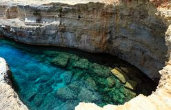 Grotta Del Canale, Sant-` Andrea, Salento-Seeküste, Italien Stockfotografie