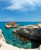 Grotta-dello Mbruficu, Salento-Seeküste, Italien Lizenzfreie Stockbilder