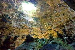 Grotta di Castellano, Apulien - Erforschung des enormen Höhle undergrou stockfotografie