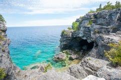 Grotta för blått vatten Royaltyfria Bilder