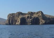 Grotta i vagga av havet Arkivfoton