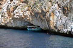 Grotta på Alanya Coiast royaltyfri bild