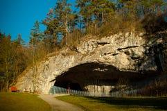 Grotta som kallas Kulna Arkivbilder