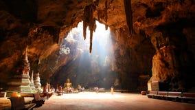 Grottabuddism Phetchaburi Thailand Royaltyfria Foton