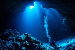 Grottadykning Arkivfoton