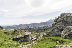 Grottagrottor i Calabria med landskap Royaltyfria Bilder