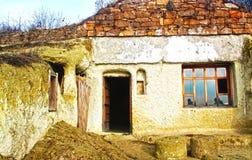grottahus royaltyfria foton