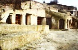 grottahus royaltyfri bild