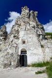 Grottakyrka av den Sicilian symbolen av modern av guden Divnogorie r Arkivbild