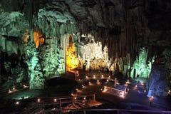 Grottan av Melidoni, Kreta royaltyfri bild