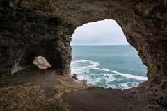Grottan i vaggar nära Tyulenovo, Black Sea, Bulgarien Royaltyfria Foton