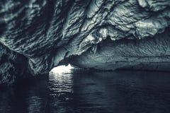 Grotte de caverne de l'eau, Vietnam photo stock