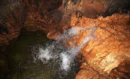 Grotte di Stiffe, Valle Dell'Aterno, Italien Arkivfoto