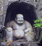 Grotten Feilai Feng mit feinen buddhistischen Steincarvings Lizenzfreie Stockfotografie