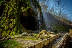 Grotto, ένας τεχνητός καταρράκτης Malievtsy, περιοχή Khmelnitsky, Στοκ φωτογραφία με δικαίωμα ελεύθερης χρήσης