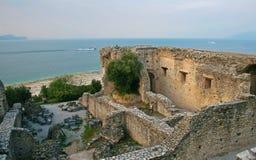 Grotto di Catullo废墟, Sermione,意大利 免版税库存照片