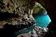 Grottoes σε Rosh Hanikra στη μεσογειακή ακτή Στοκ εικόνα με δικαίωμα ελεύθερης χρήσης