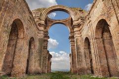 Grottole Matera, Basilicata, Italien: fördärvar av den forntida chen royaltyfria foton