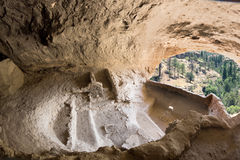 Grottor 3 och 5 i Gila Cliff Dwellings National Monument, nya Mex Royaltyfri Bild