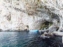 Groty zinzuluza, wybrzeże blisko Otranto, Apulia, Italy Zdjęcie Stock